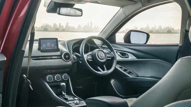 The dial for the infotainment screen is now closer to the transmission to improve ergonomics.