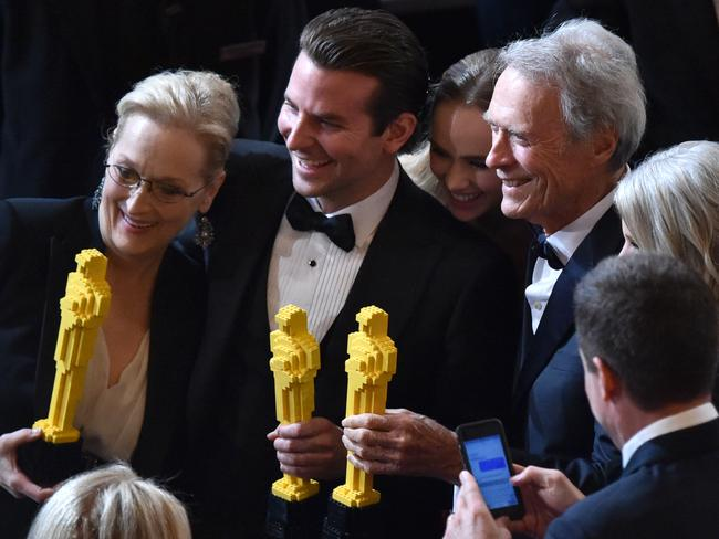 Lego Oscars ... Meryl Streep, you have enough real Oscars at home. You don't need a toy one.