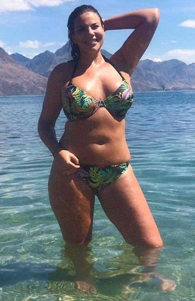 Fiona recently dazzled fans with a snap of herself wearing a stunning tropical-patterned bikini. Picture: Instagram/Fiona Falkiner