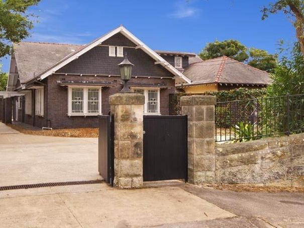 The facade of the Drumalbyn Rd in Bellevue Hill from 2011