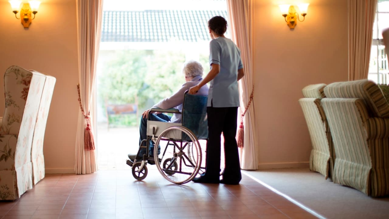 Prime Minister to announce royal commission into aged-care sector