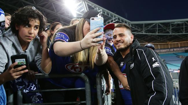 Bulldogs star Josh Reynolds farewells the crowd.