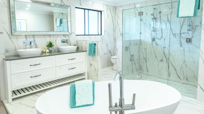 Open plan bathrooms: Bathrooms without walls a terrible trend