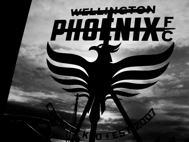 Wellington Phoenix's new official logo