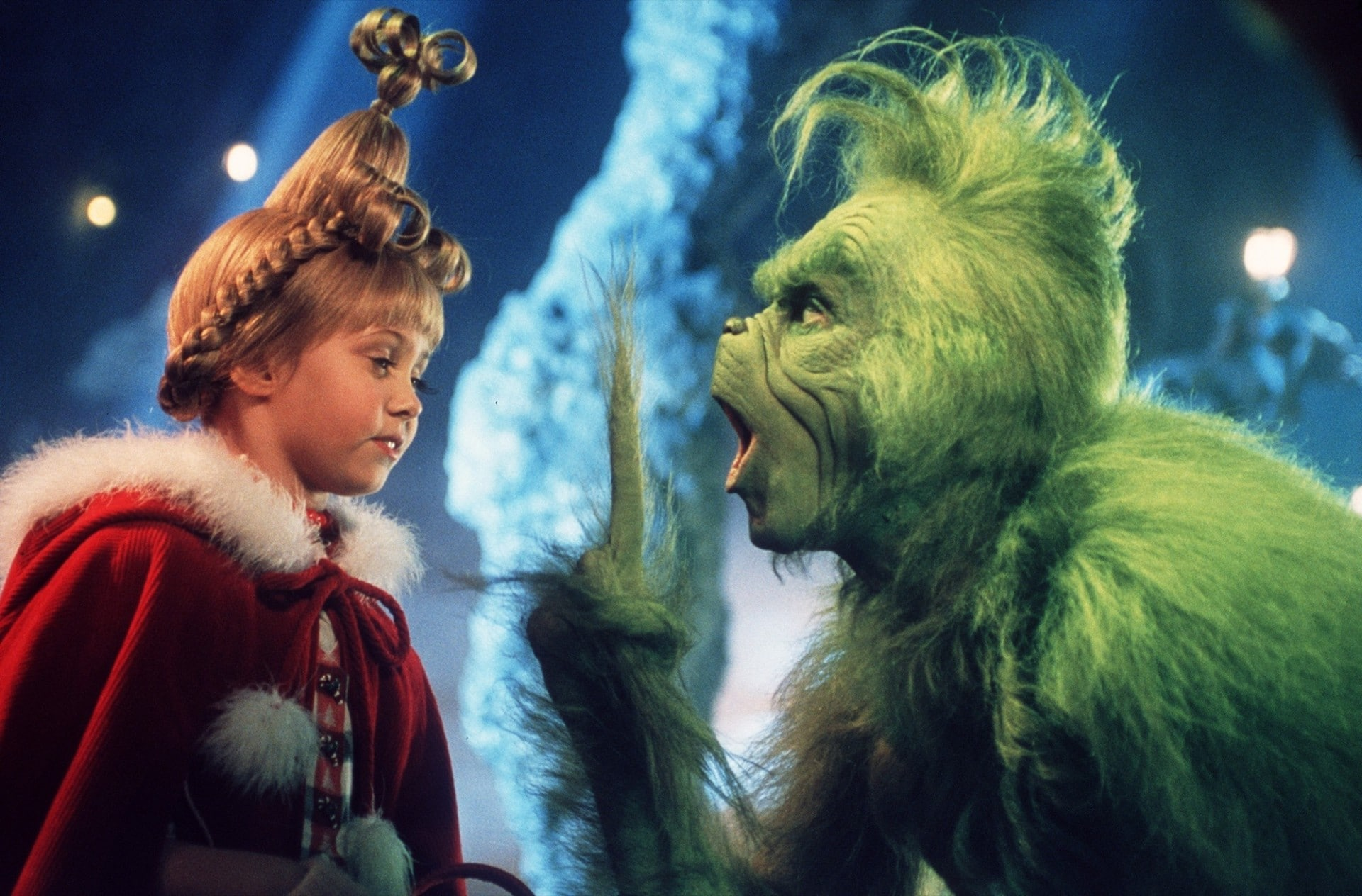 Grinch make-up is definitely not here to ruin our Christmas