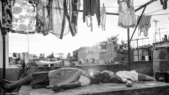 Alfonso Cuaron took on cinematography duties when his usual collaborator three-time Oscar winner Emmanuel Lubezki's schedule clashed with Roma's production