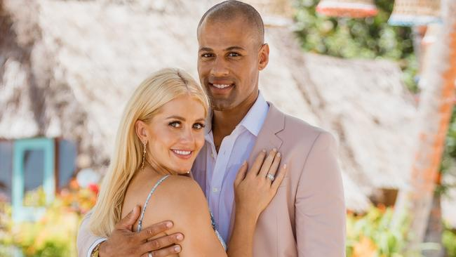 Ali Oetjen and Grant Kemp were loved up on Bachelor in Paradise. Picture: Channel 10.