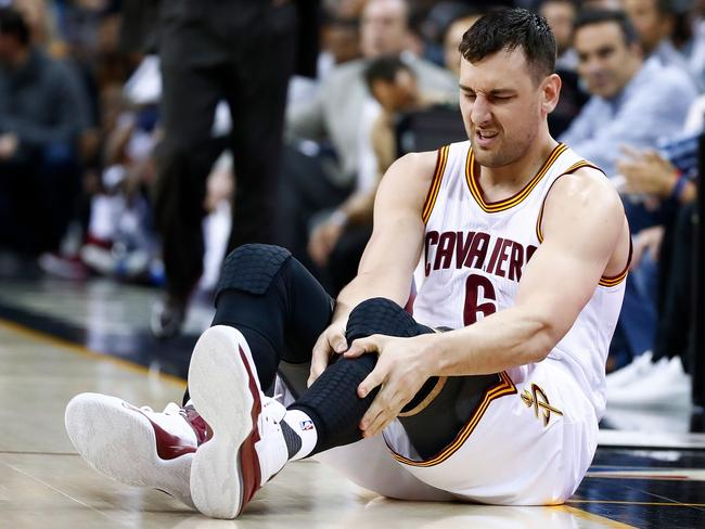 Andrew Bogut immediately after his injury.