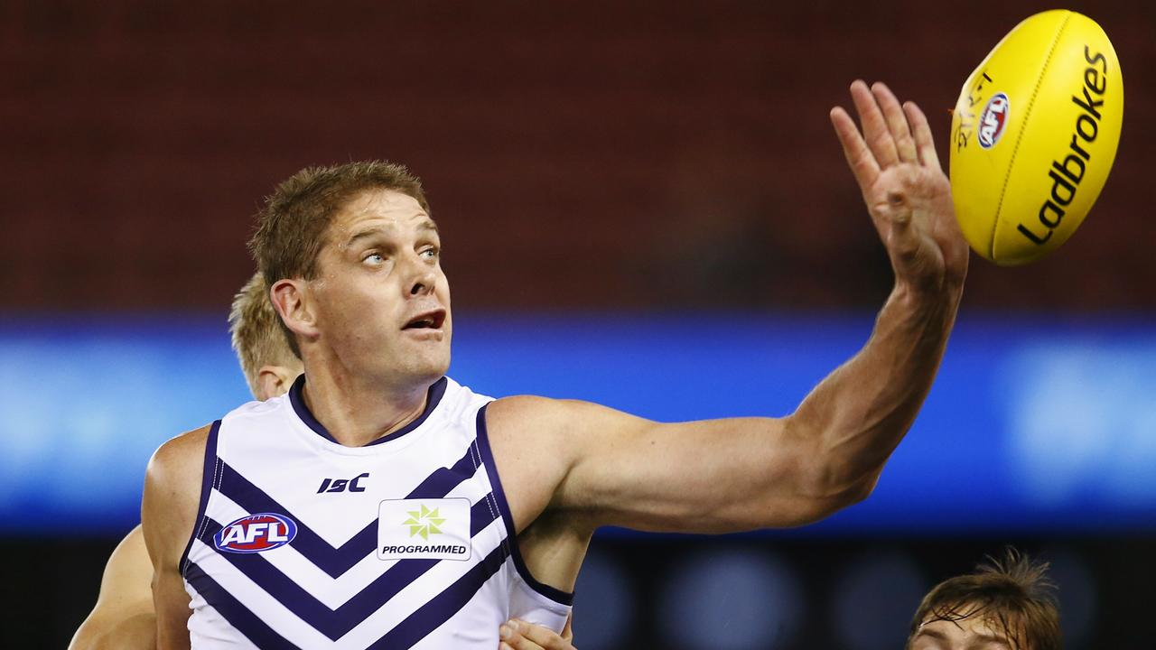 Sandilands to end his giant career
