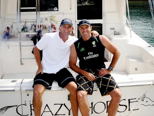 Adam Gilchrist and Matthew Hayden enjoy a spot of fishing during the 2007 World Cup.