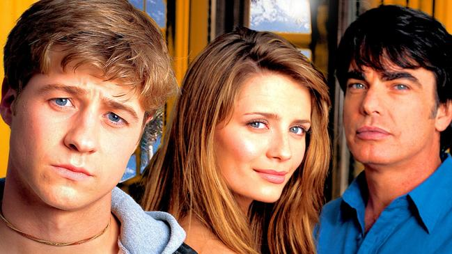 The Oc Set Secrets From Show Starring Mischa Barton