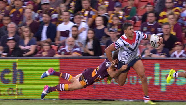Ben Hunt tackles Latrell Mitchell.