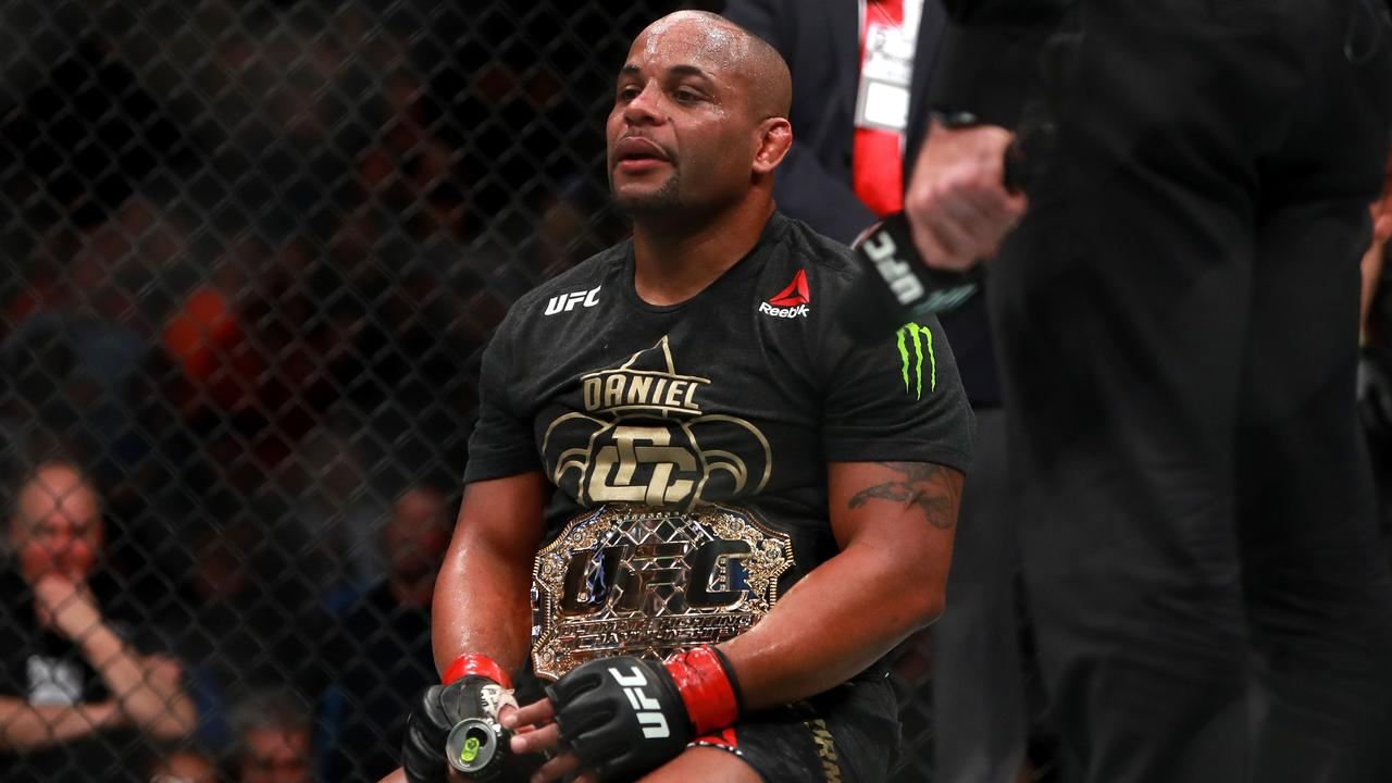 Daneil Cormier to fight Derrick Lewis for the heavyweight title at UFC 230.