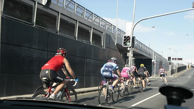 14 reasons we hate cyclists  1e805ba87