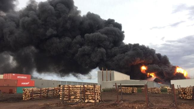 Footscray Factory Fire. Explosions can still be heard 2.5 hours after factory fire started in West Footscray. Picture: Twitter @ChristineAhern