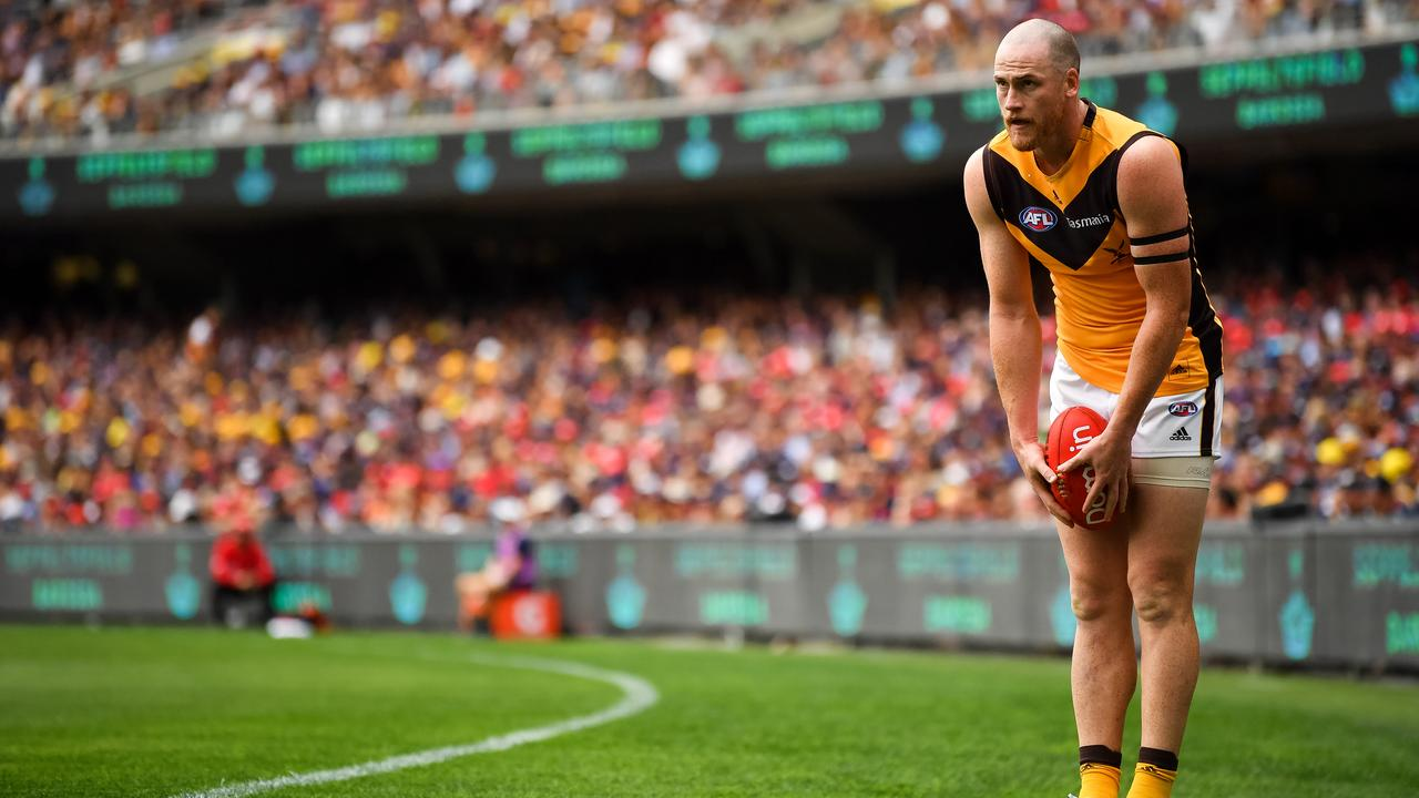 Jarryd Roughead lines up for goal at Adelaide Oval this year.