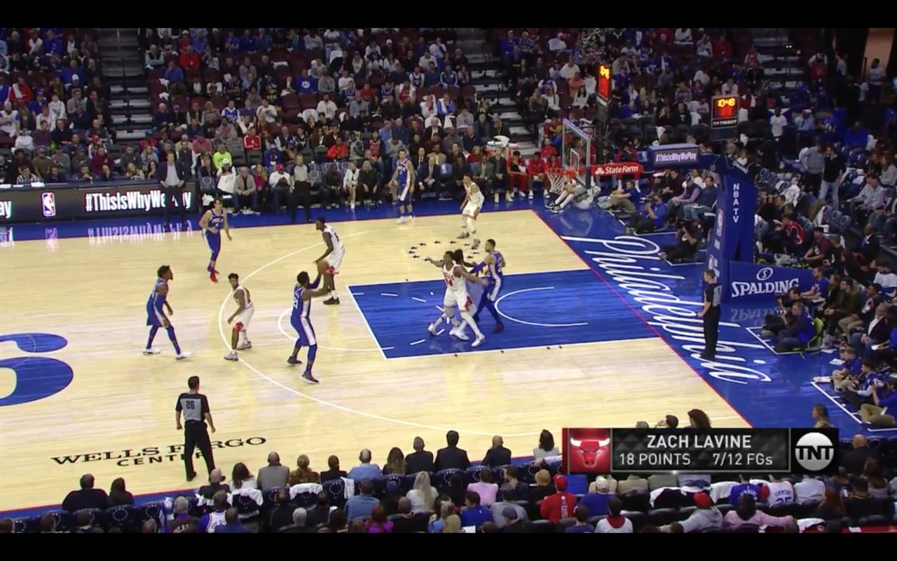 A screenshot of the 76ers game.