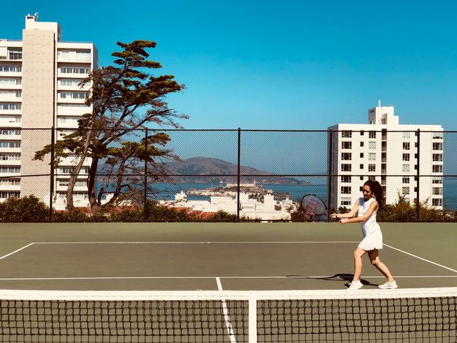 Who has friends who would agree to play tennis before work?