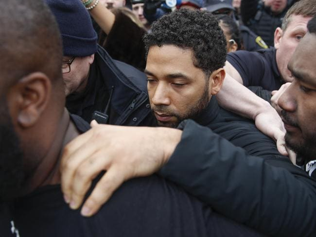 Jussie Smollett is now being treated like a pariah, TMZ reports.