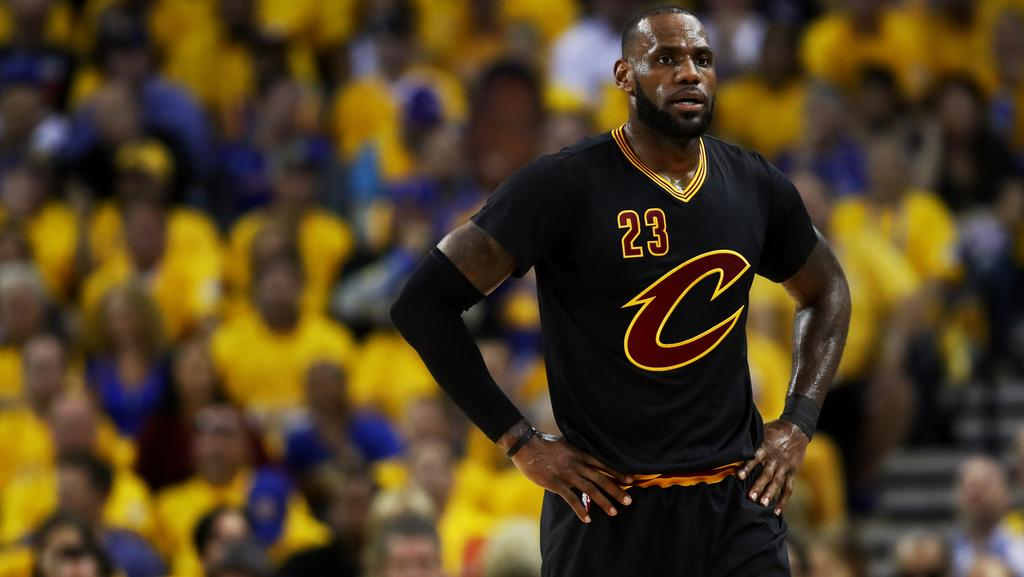 fd4f6e0d3a9 Can LeBron James dominate the Warriors at home  Picture  Getty Images AFP