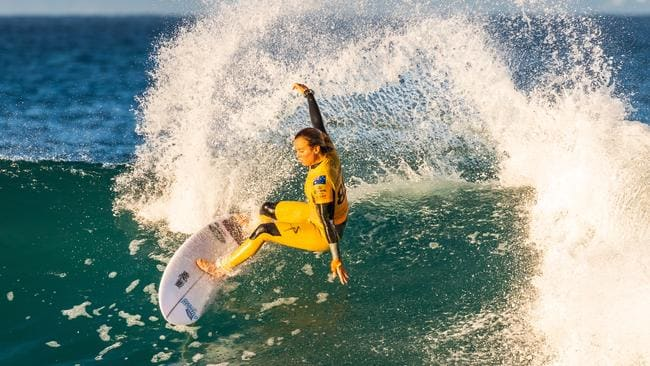 Sally Fitzgibbons in her yellow leader jersey aqt J-Bay.