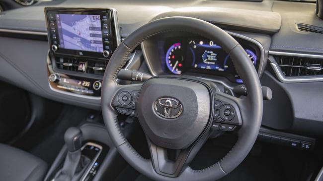 2020 Toyota Corolla Ascent Sport hybrid is $29,526 drive away in Cairns.