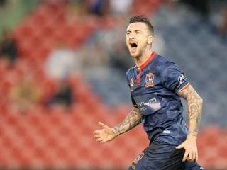 Jets 'withdraw offer' as Irish striker linked with A-League rivals