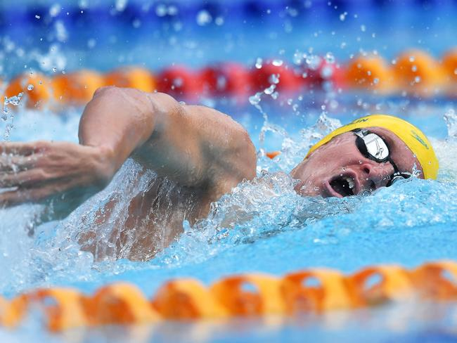 Jack McLoughlin flies in the 400m Freestyle.