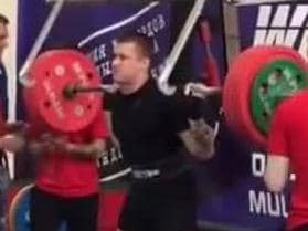 43c5bf4b62 WATCH: Horrifying moment Russian weightlifter snaps leg in three places
