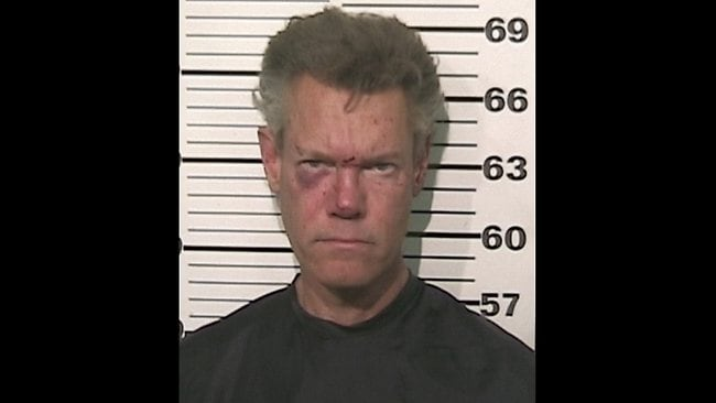 Drunk, naked country star Randy Travis in car crash