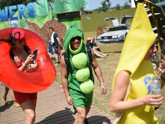 Attendees were warned to apply sunscreen and stay out of the midday heat, with temperatures set to hit 31C and UV levels rising this weekend. Picture: Oli Scarff / AFP