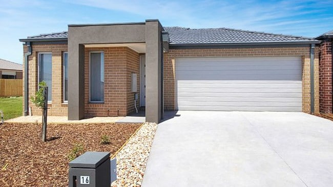 McDonald & Co, Geelong has advertised 16 Shearwater Drive, Armstrong Creek for $400 a week.