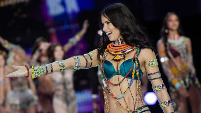 Adriana Lima doesn't eat solids for nine days before a Show. Image: AFP PHOTO / FRED DUFOUR.