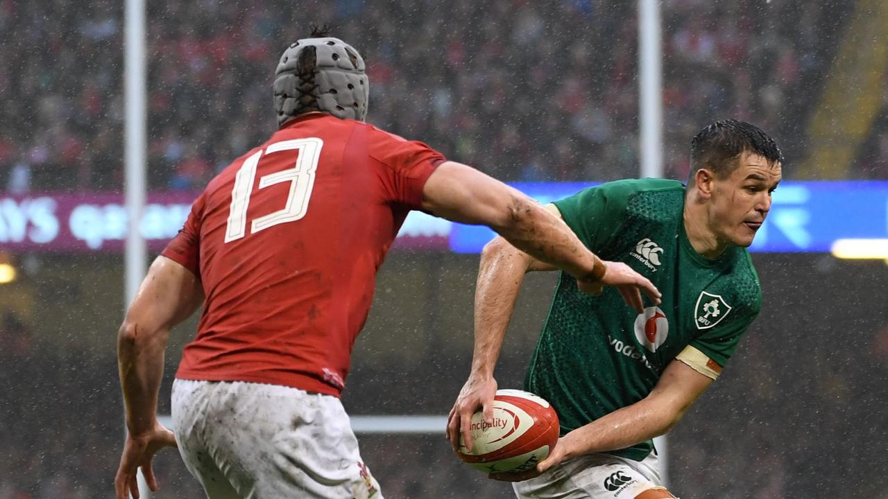 Ireland's fly-half Johnny Sexton struggled in the wet to continue his difficult Six Nations campaign.