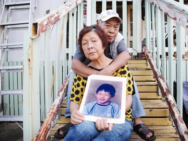 Andrew Chan's mother Helen and father Ken.