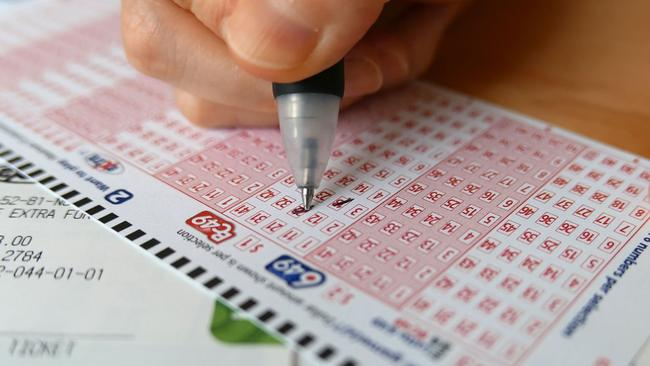 Health Lottery Odds >> Lotto player wins $1M after someone cuts him in line