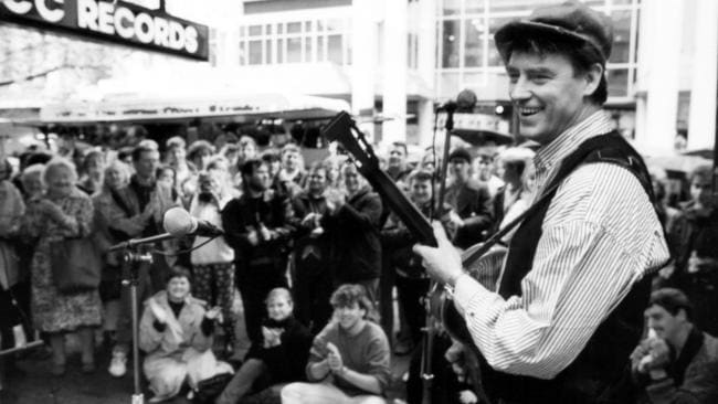 Doc Neeson performing in Adelaide's Rundle Mall, 1982. Picture: Advertiser Library