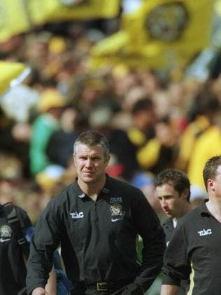 Frawley coaching the Tigers in 2001.
