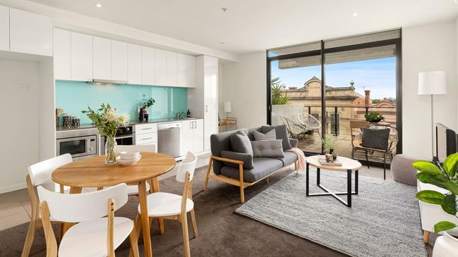 "<a href=""https://www.realestate.com.au/property-apartment-vic-brunswick+east-131955850"" target=""_blank"">207/330 Lygon St, Brunswick East</a> — $460,000-$500,000."