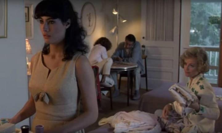 In the movie, the family stay together in a double room at the resort. Source: Vestron Pictures