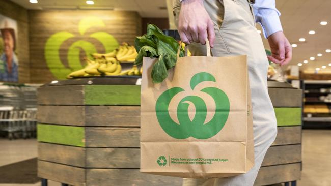The new paper bags are available from today. Picture: Dallas Kiolponen/Woolworths