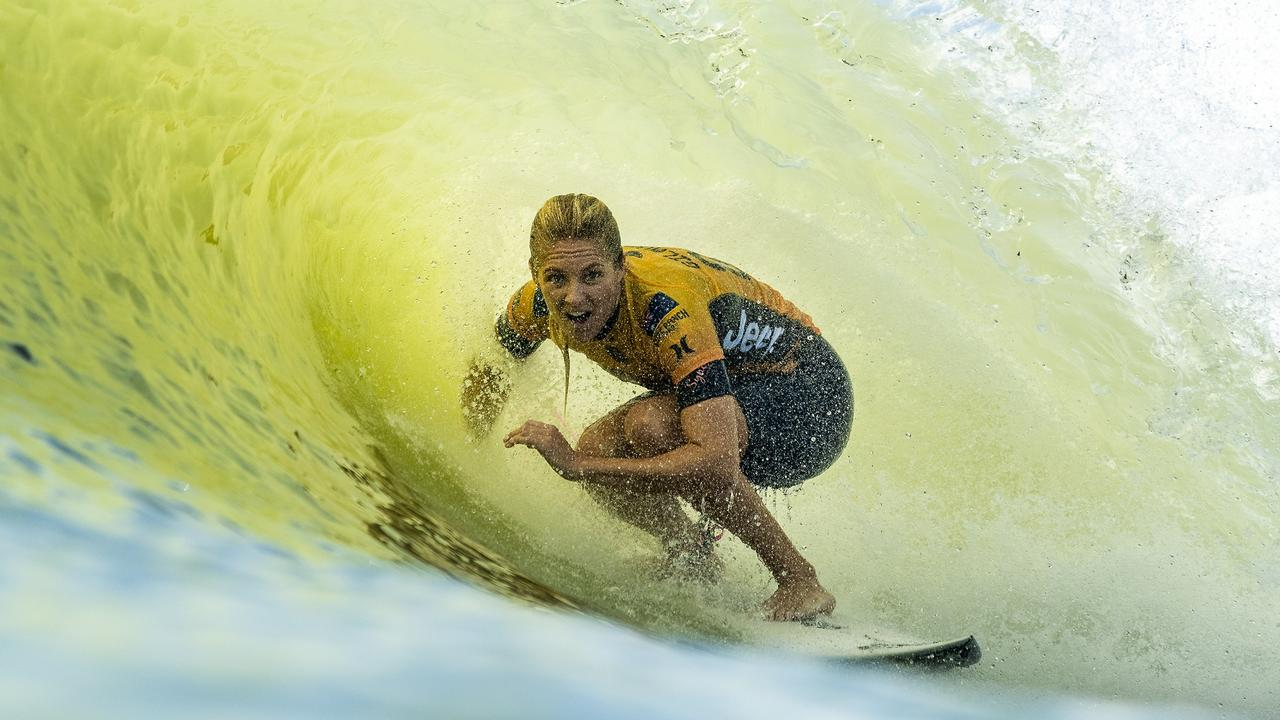 World Surf League: Stephanie Gilmore fourth after first run in