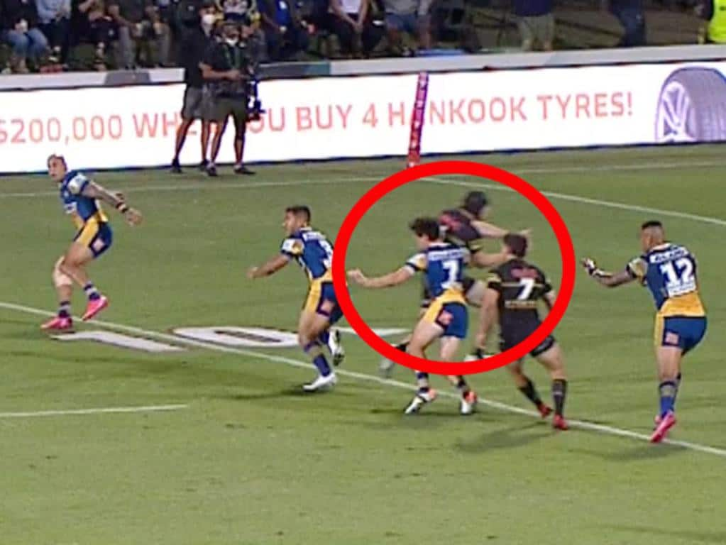 Did Mitch Moses make a defensive decision?
