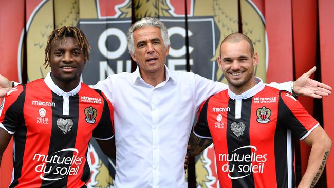 (From L) Nice's football club French midfielder Allan Saint-Maximin, Nice's football club French president Jean-Pierre Rivere and Nice's football club new signings Dutch midfielder Wesley Sneijder.