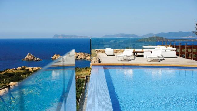 Some even have horizon pools.