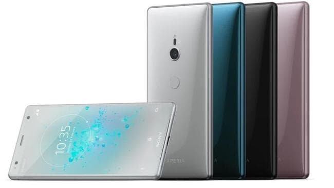 The extreme curve on the rear of the device can't really be seen in pictures.