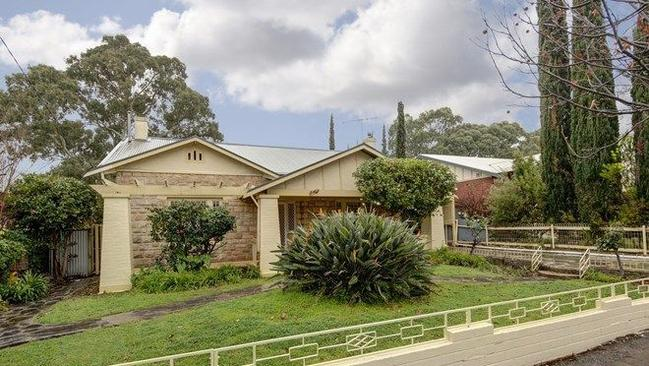 "<a href=""https://www.realestate.com.au/property-house-sa-myrtle+bank-128923258"" title=""www.realestate.com.au"">14 Palmer Ave, Myrtle Bank</a>, currently on the market through Klemich."