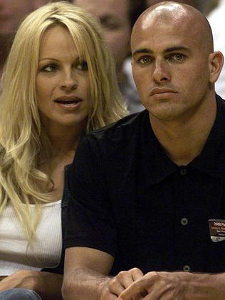 Pamela Anderson and Kelly Slater in 2000. Picture: Getty