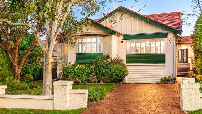 This home at 31 Palm Ave, Ascot, is available for rent.