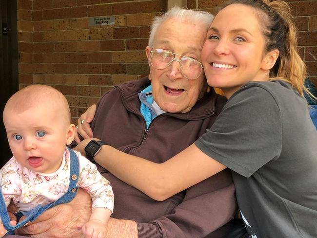 Laura Byrne (pictured with her grandfather and her daughter) took to Instagram to pay tribute to her grandfather. Picture: Instagram/Ladyandacat